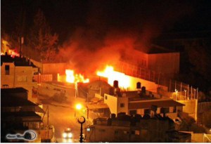 Josephs-Tomb-Palestinian-Rioters-Set-Fire-to-Nablus-Monument-Reports-Say1 (2)