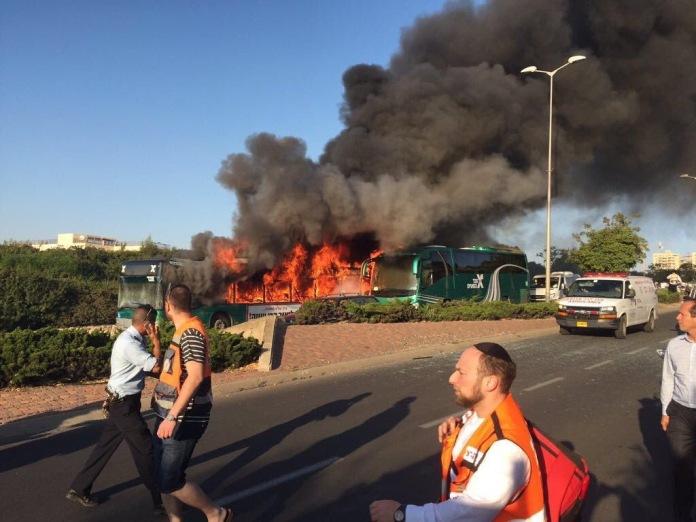 Bussipommi Jerusalemissa 18.4.2016 osoitti ettei kyse ole vain teininuorten kivittelystä vaan vakavammasta asiasta